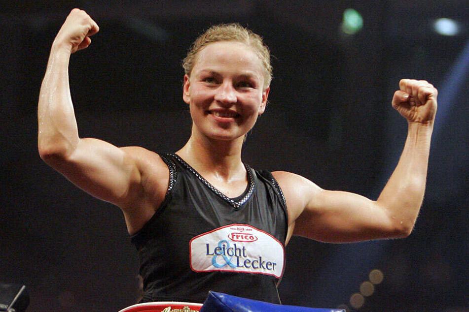 Die Ex-Boxerin aus Karlsruhe war von 1995-2007 ungeschlagene Weltmeisterin im Fliegengewicht.