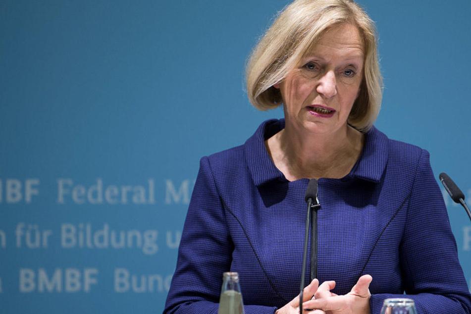 Bundesbildungsministerin Johanna Wanka (66) hat sich Gedanken um die Integration in Schulklassen gemacht.