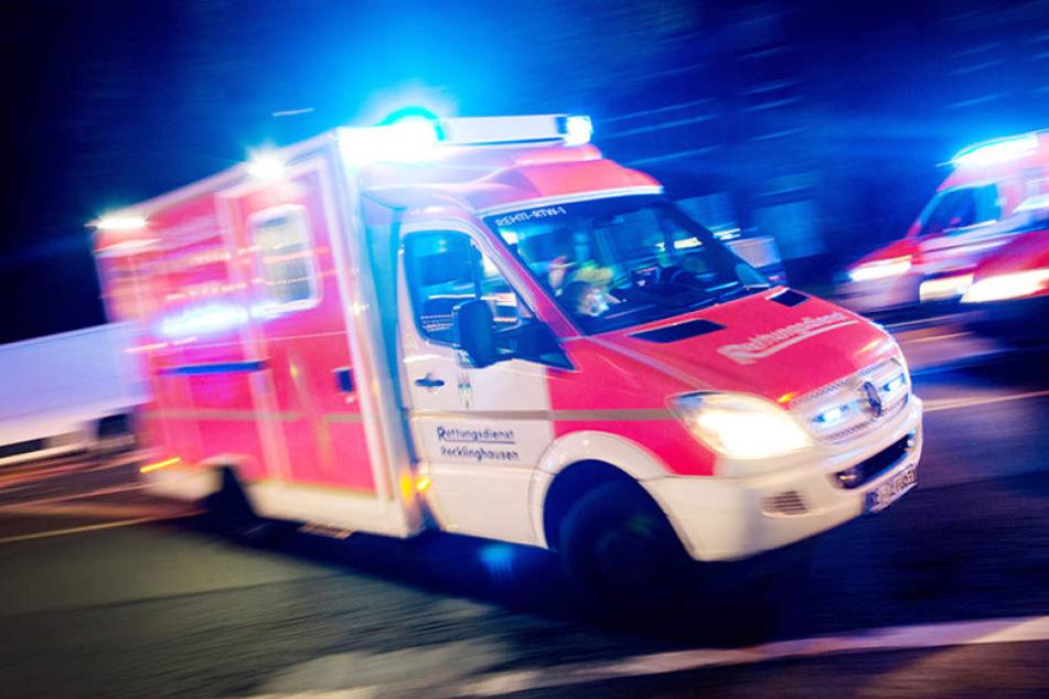 Der Radfahrer wurde bei dem Unfall schwer verletzt.