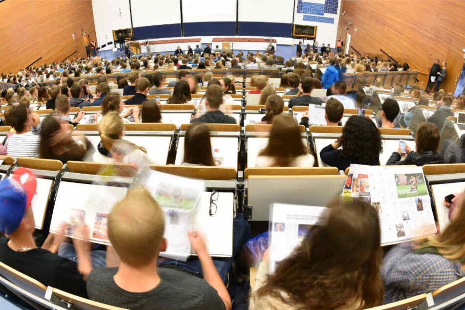Stuttgart: Unis wollen mehr Geld und drohen mit Abbau von Studienplätzen