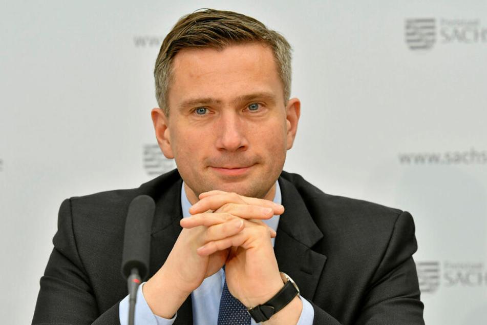 Martin Dulig (46, SPD) fuhr als Jugendlicher selbst Moped. Der Verkehrsminister feiert am heutigen Mittwoch seinen 46. Geburtstag.