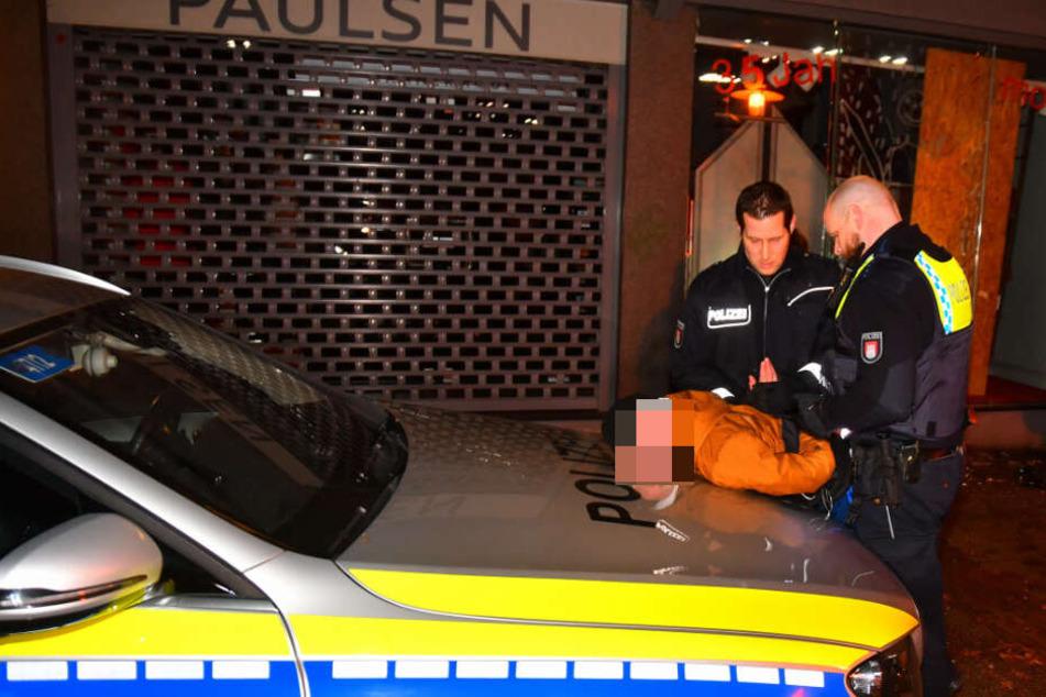 Die Polizei nahm den 14-Jährige vor Ort fest.