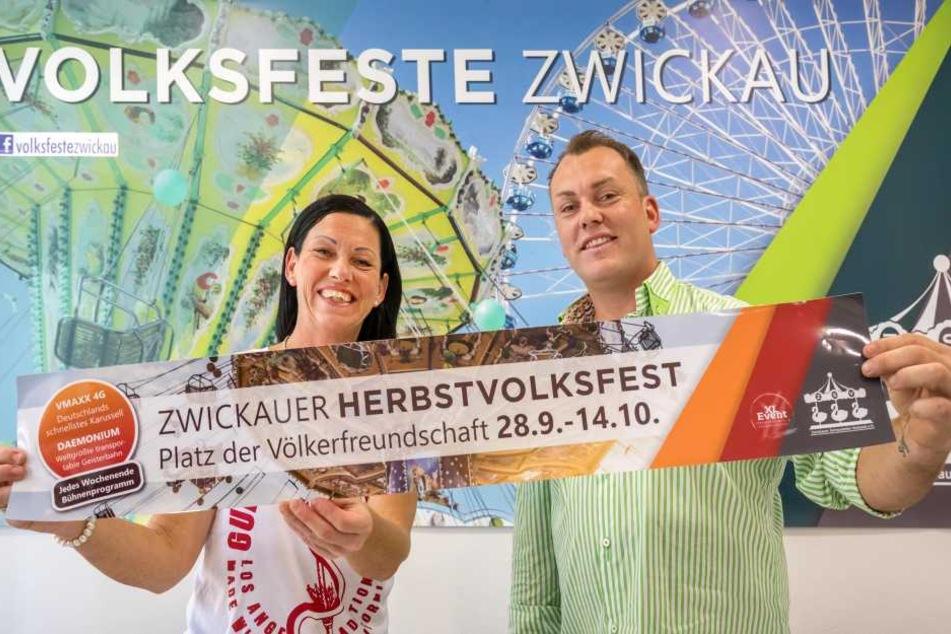 Die Veranstalter Silke (49) und Marco Walz (39) blicken dem bisher größten Zwickauer Herbst-Volksfest entgegen.
