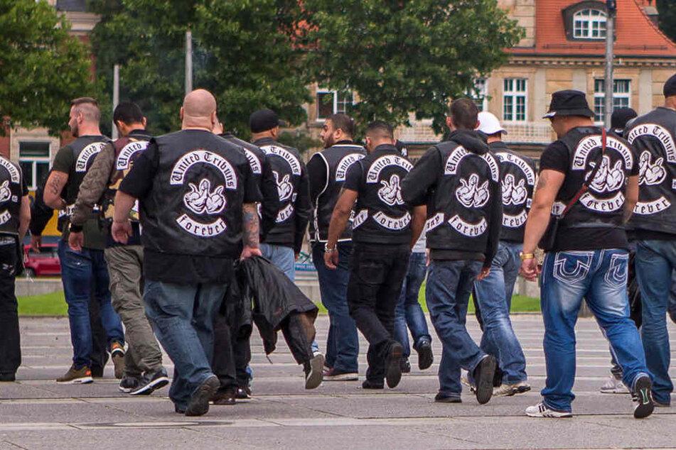 Abmarsch aus Leipzig: Der Auftritt der berüchtigten Rockergang United Tribuns in Leipzig - hier im Bild nach dem Prozessauftakt gegen vier Hells Angels - ist Geschichte. Das Chapter hat sich aufgelöst.