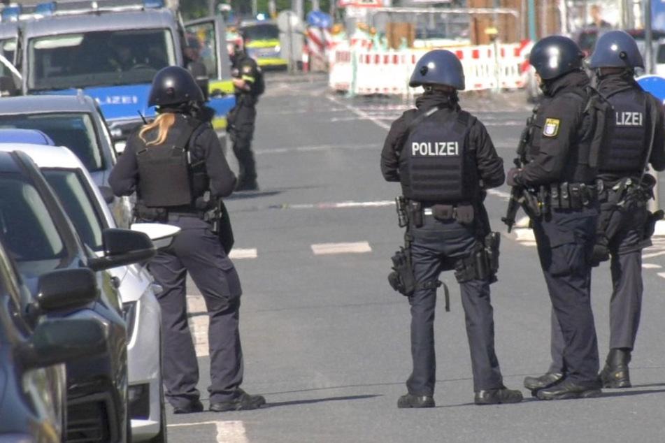 Großeinsatz vor Moschee: Bewaffneter Mann ruft Polizei auf den Plan