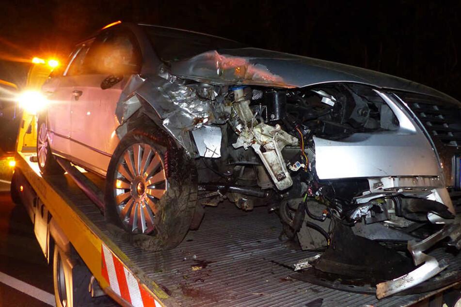 Der VW Passat der Eheleute wurde stark beschädigt.