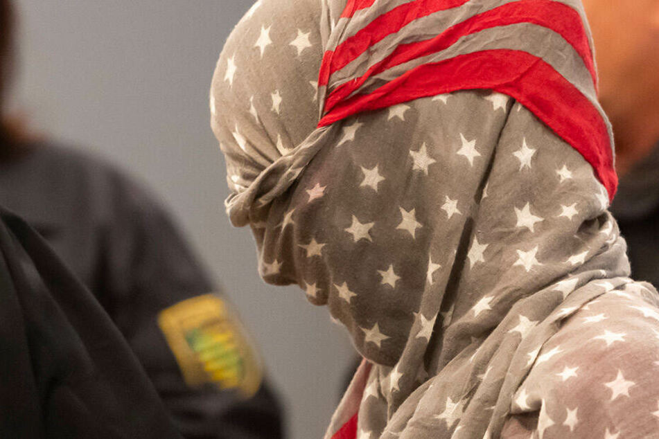 Terror-Verdacht! IS-Unterstützerin verurteilt und dennoch auf freiem Fuß