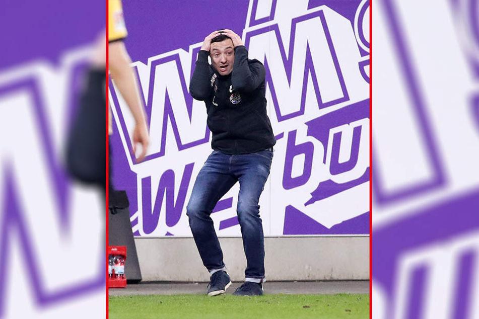 FCE-Trainer Daniel Meyer konnte es nicht fassen, wie seine Mannschaft in der zweiten Halbzeit auftrat.
