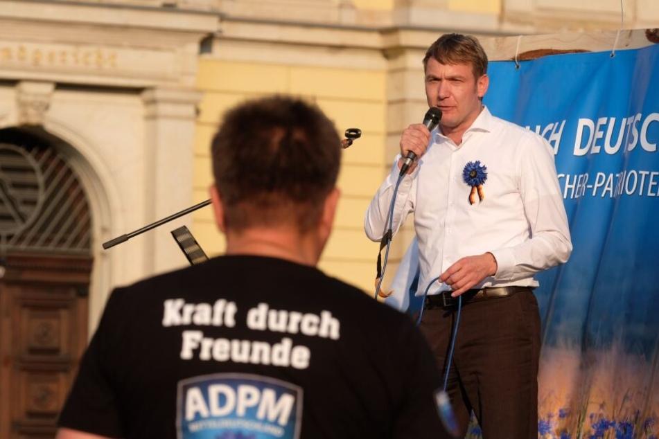 Nachdem sie ihn in Connewitz nicht reingelassen haben, will er nun vor Kitas demonstrieren: André Poggenburg.