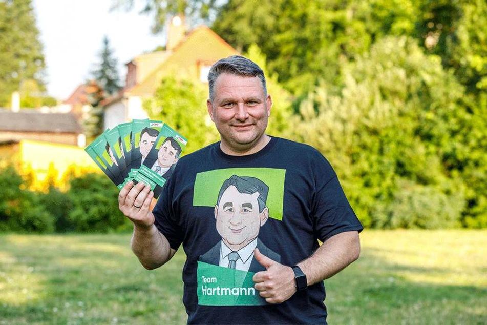 Christian Hartmann wirbt als Comicfigur für sich.