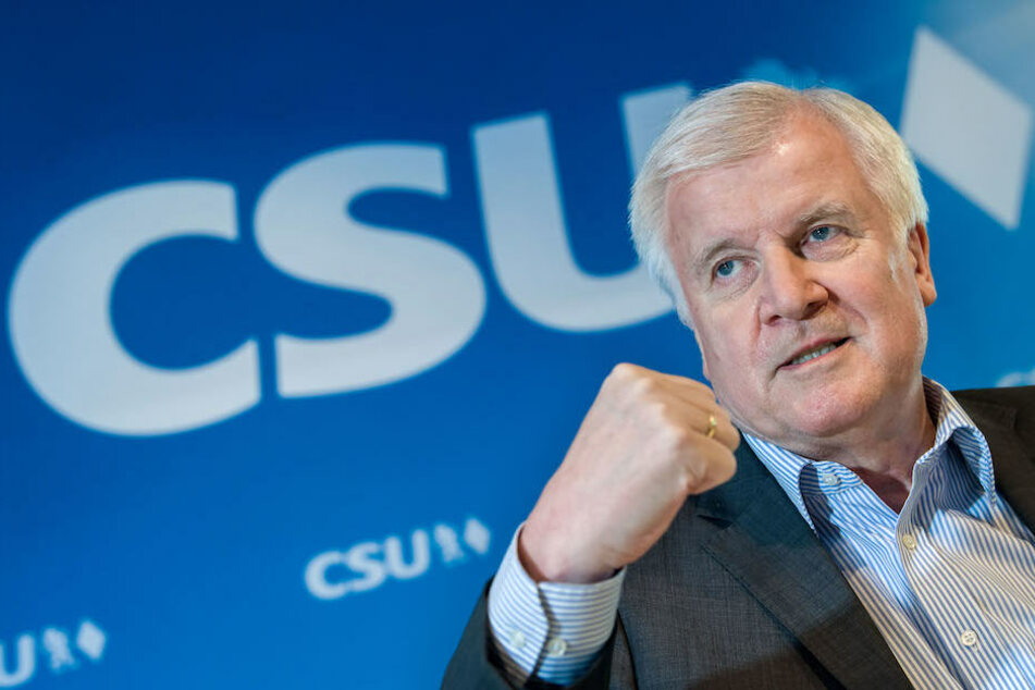 Lässt es CSU-Chef und Bundesinnenminister Horst Seehofer (68) zum Bruch mit der CDU lommen?