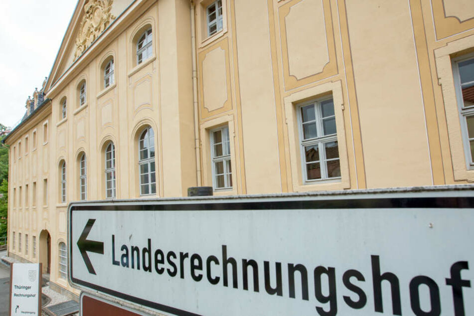 Der Landesrechnungshof hat gerichtlich durchgesetzt, die IHK in Erfurt zu überprüfen, das wird aber erst im neuen Jahr geschehen.
