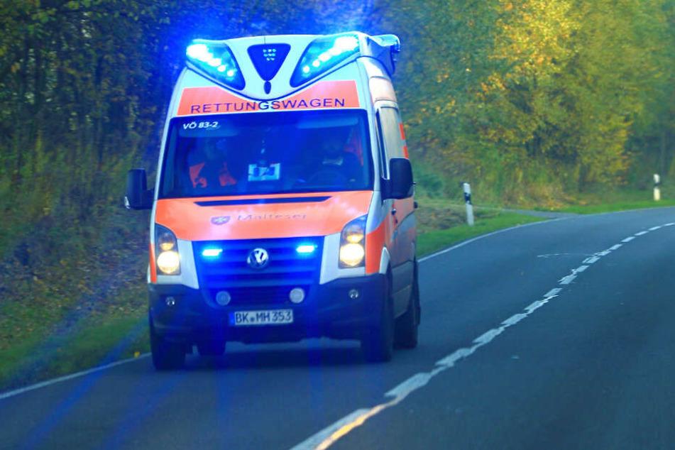 Die 48-jährige Busfahrerin starb noch am Unfallort. (Symbolbild)