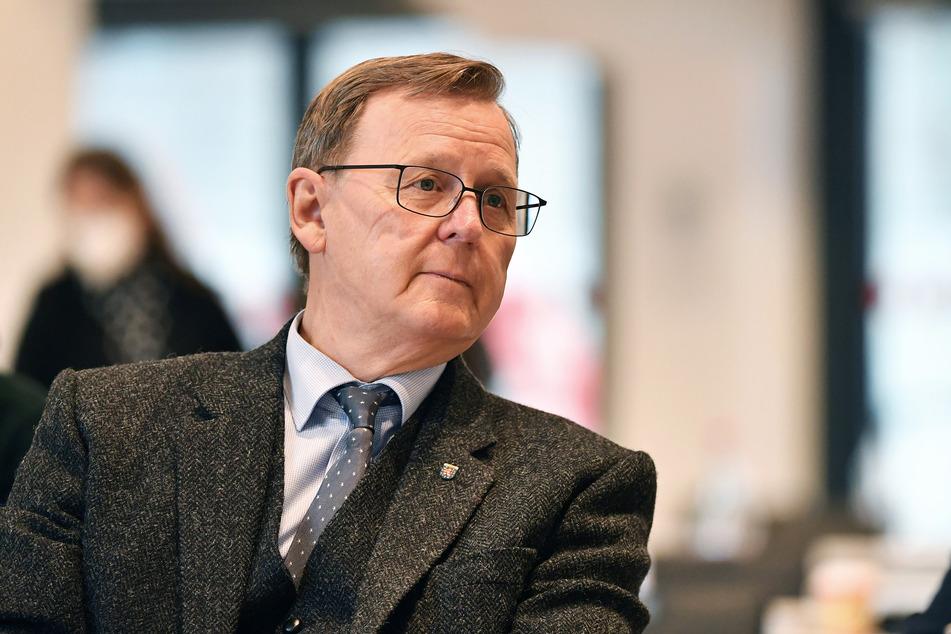 Lockerungen der Corona-Beschränkungen sind aus Sicht von Thüringens Ministerpräsidenten Bodo Ramelow (65, Linke) derzeit nur mit elektronischer Kontaktnachverfolgung und Corona-Tests denkbar.