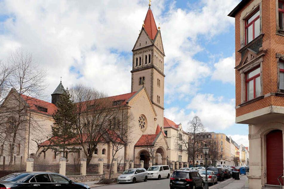 """Die Gemeinden """"St. Joseph"""" (F.), """"St. Johannes Nepomuk"""", """"St. Antonius"""" und """"St. Franziskus"""" werden zur neuen Pfarrei """"Heilige Mutter Teresa"""" vereint."""