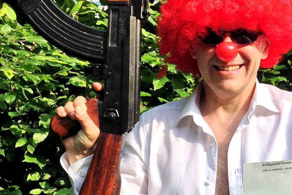 Clown mit Kalaschnikow löst Polizei-Aktion aus