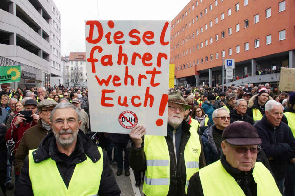 Ärger über Fahrverbot: So viele Diesel-Fans protestierten