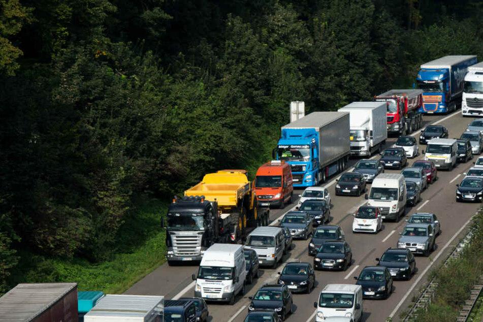 Zu dem Unfall kam es am Samstagvormittag auf der A45 bei Wetzlar (Symbolbild).