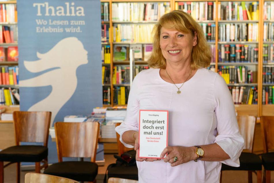 """Petra Köpping stellte im Haus der Presse ihr neues Buch: """"Integriert doch erstmal uns!"""""""