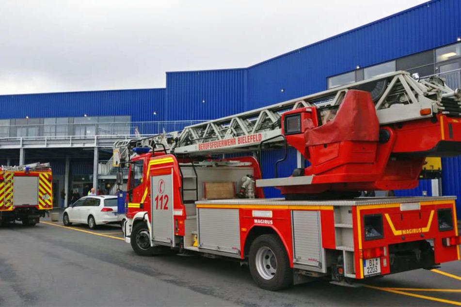 Die Feuerwehr ist bei Ikea.