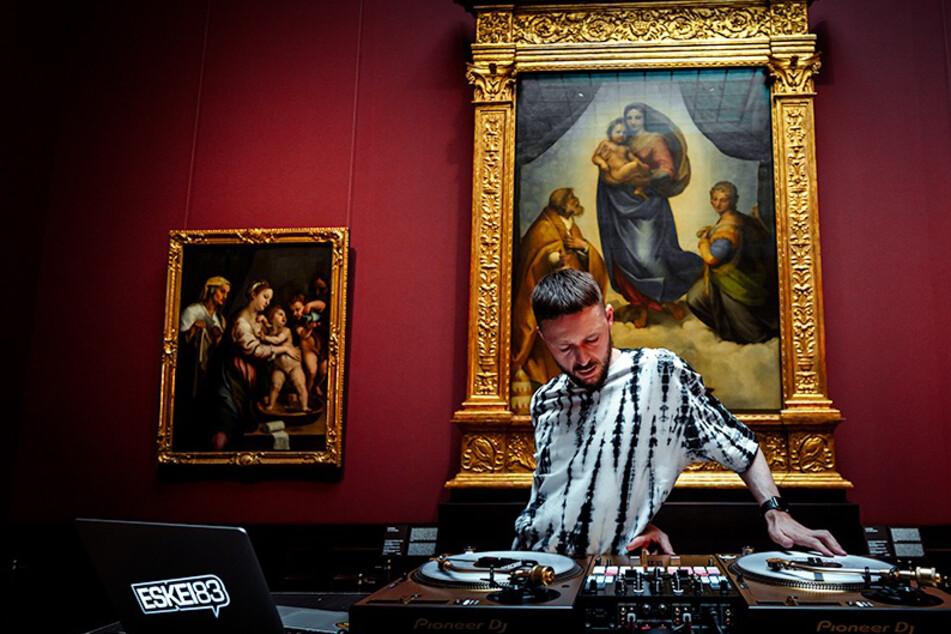 DJ-Show vor der Sixtinischen Madonna im Dresdner Zwinger!