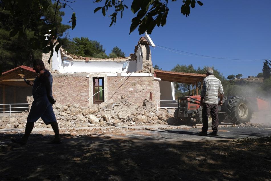 Viele Gebäude, hier eine Kapelle, wurden bei dem Erdbeben zerstört.