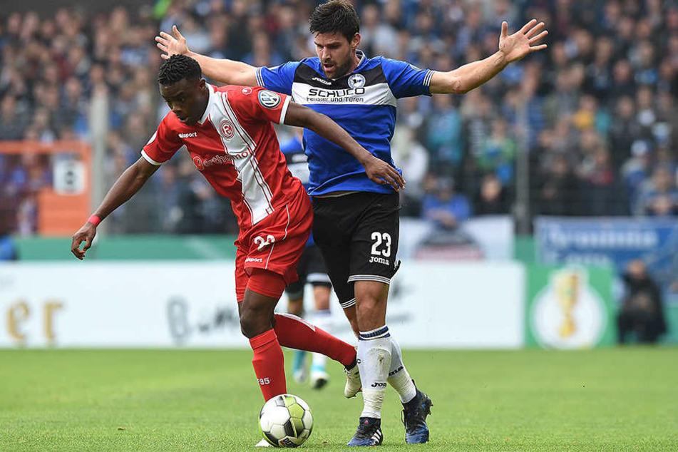 Florian Dick (Nr. 23) erhielt von DSC-Trainer Saibene den Vorzug vor Neuzugang Nils Teixeira.