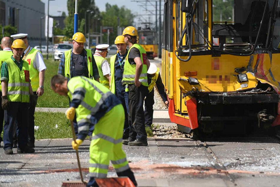 Bei dem Zusammenstoß zwischen einem Pkw und der Straßenbahn wurden in Gotha 2 Menschen schwer verletzt (Symbolbild).