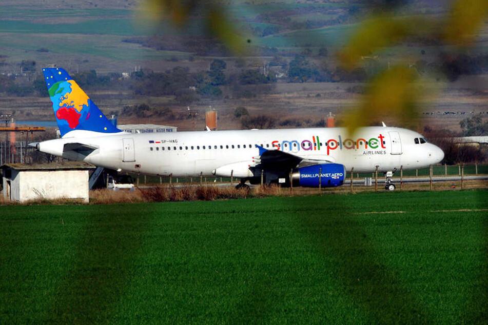 """Die kleine Airline """"Small Planet"""" startete verzögert von Paderborn aus. (Symbolbild)"""