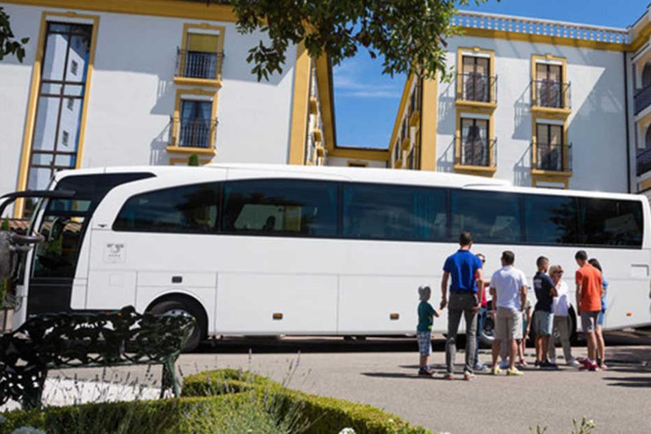 Sicher ankommen ist das A & O jeder Reise, heißt es beim Internationalen Bustouristik Verband RDA. (Symbolbild)