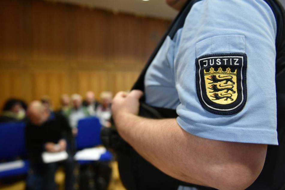 Die beiden Autohändler werden vor dem Landgericht Detmold verurteilt. (Symbolbild)