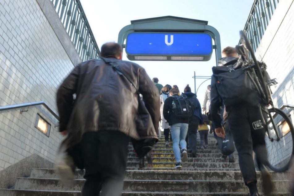 Ein Betrunkener hat einen BVG-Mitarbeiter attackiert. (Symbolbild)