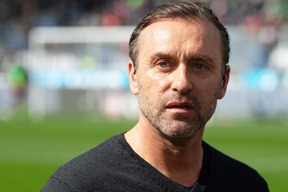 Hannovers Trainer Thomas Doll meldete sich mit klaren Aussagen zu Wort.