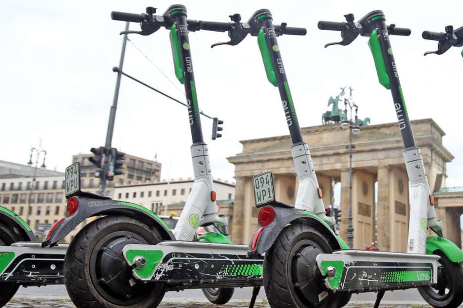 Ausgescootert: Abstellen von E-Tretroller Am Brandenburger Tor zunächst verboten