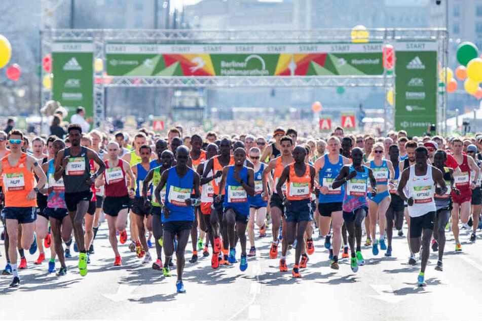 Die Läufer starteten im letzten Jahr noch am Alexanderplatz.