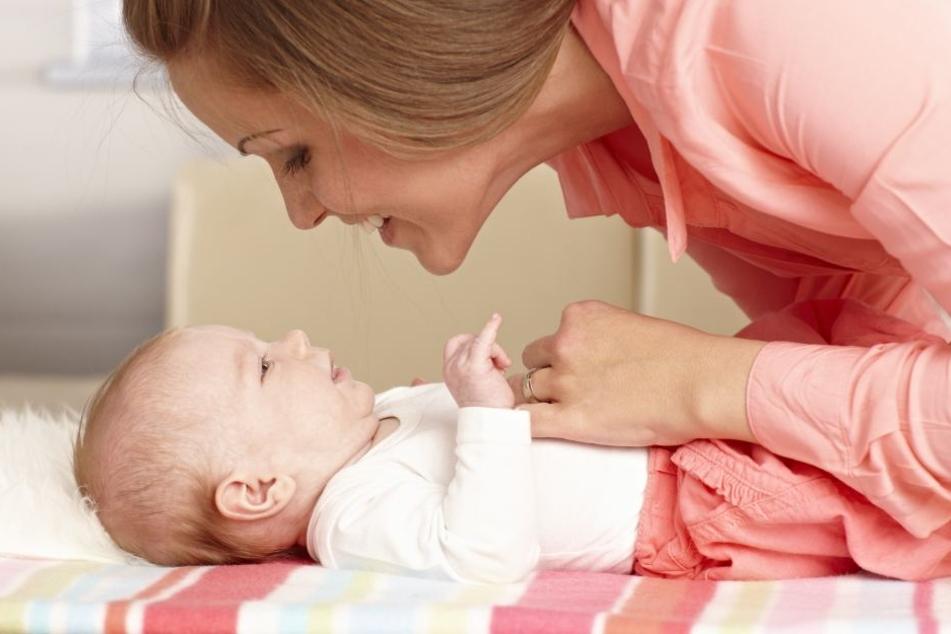 Nach einer Elternzeit kehren besonders häufig Frauen in Teilzeit in ihren Job zurück. (Symbolbild)