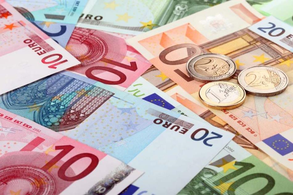 Das Opfer wurde mit einem Gewinn von 70.000 Euro in die Falle gelockt. (Symbolbild)