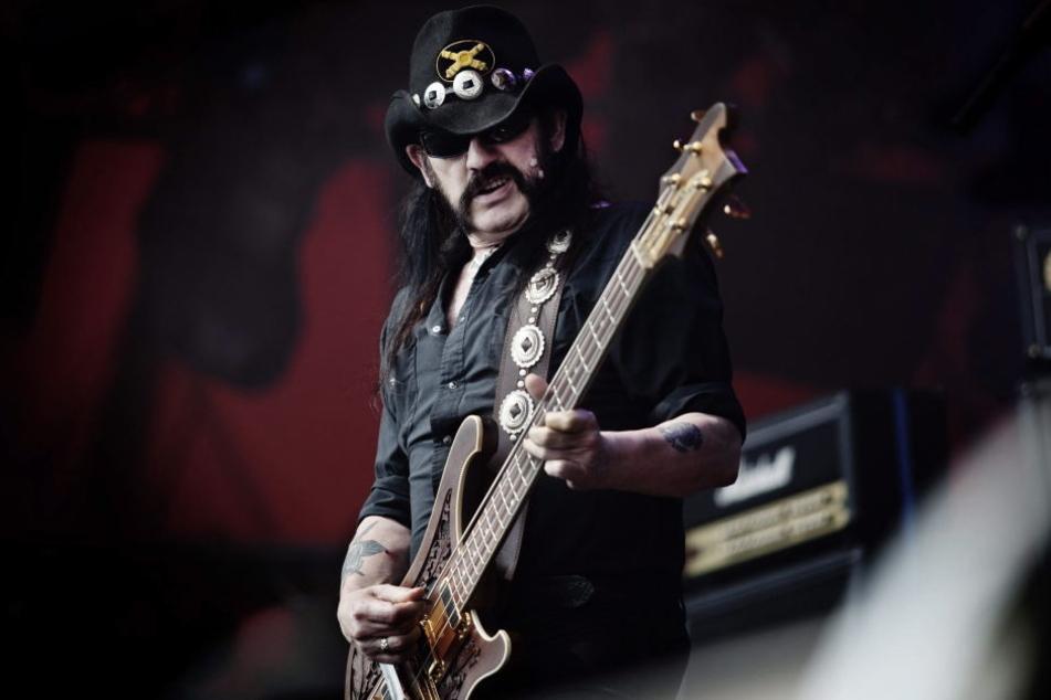 Lemmy Kilmister hatte zwar nicht das christlichste Leben, ein Christkind ist er trotzdem.