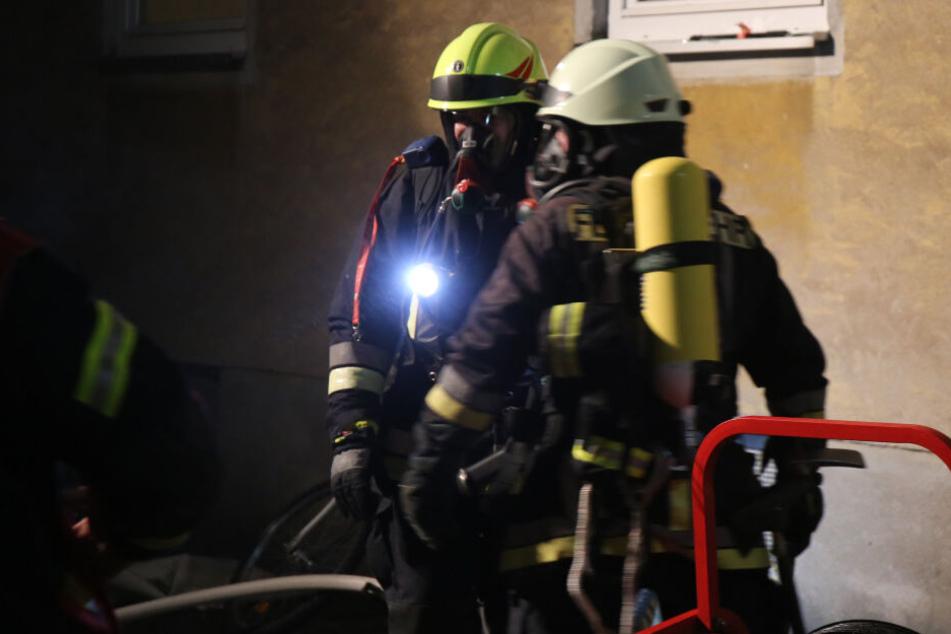 Die Feuerwehr musste spätabends in der Ringsiedlung in Oberkotzau anrücken.