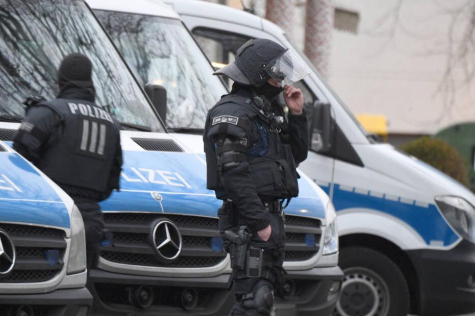 Der Polizeieinsatz dauerte siebeneinhalb Stunden (Symbolfoto).