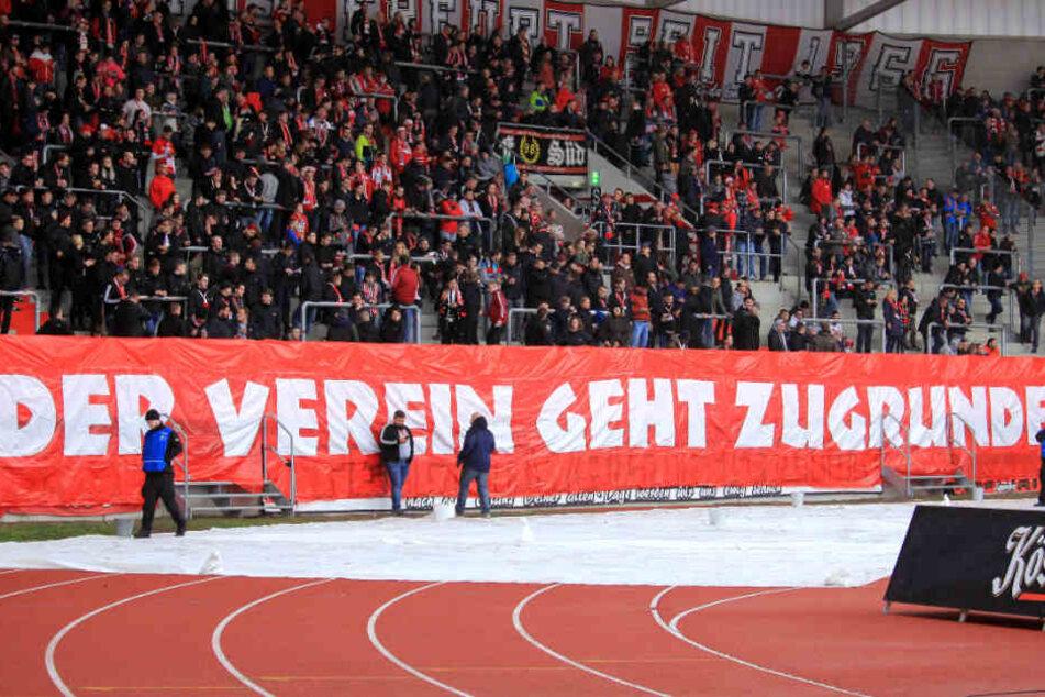 Die RWE-Anhänger sind derzeit nicht amüsiert über die Vorgänge im Verein.