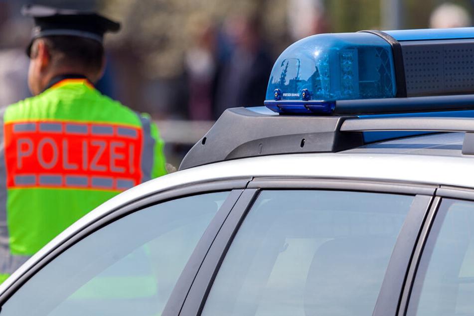 Die Polizei wird nun die Tante des Unfallverursachers zur Rechenschaft ziehen. Sie ließ den Jungen ans Steuer.