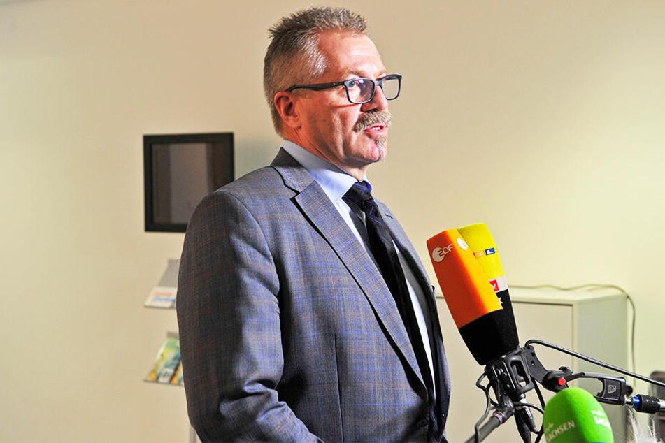 Laut Ordnungsbürgermeister Miko Runkel (58, parteilos) waren der Stadt im Vorfeld des Spiels keine Sicherheitsbedenken bekannt.