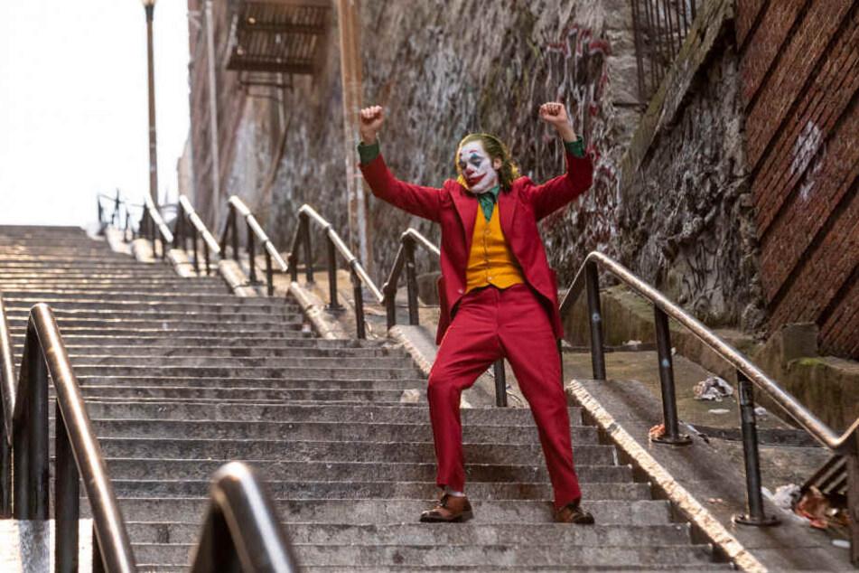 """Da wo der """"Joker"""" steht, wollen alle hin: auf die Treppenstufen in der West 167th Street."""