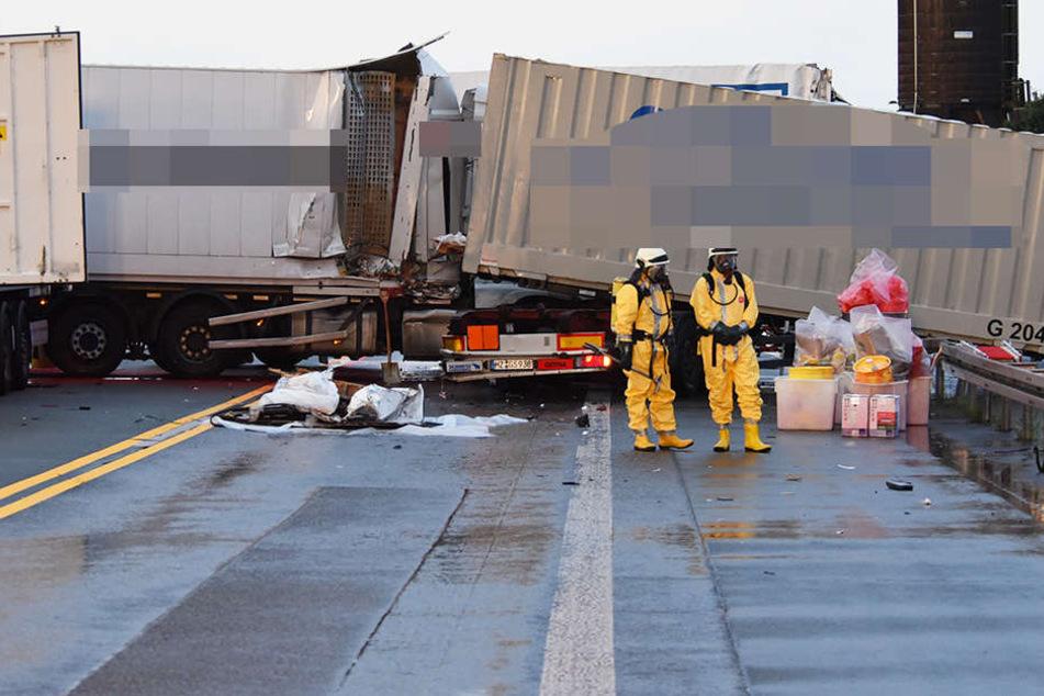 Lkw kracht in Gefahrguttransporter