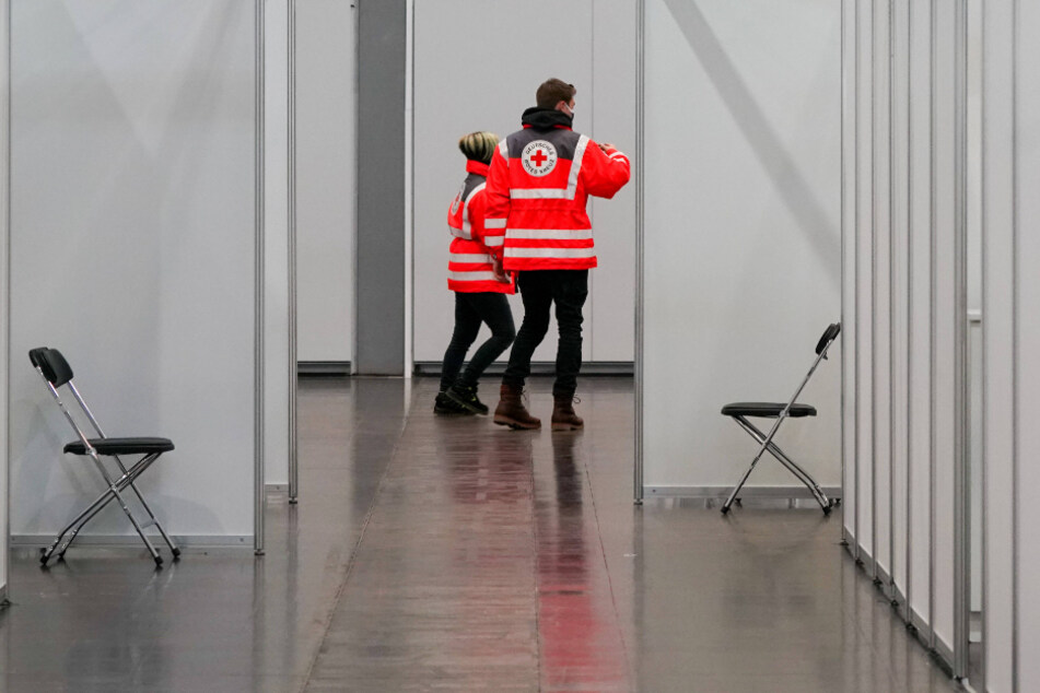 Impfstoff wird in Sachsen knapp: Helfer werden nach Hause geschickt