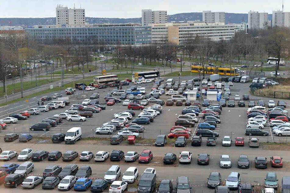 Die Parkplätze am Ferdinandplatz werden wohl schon 2019 ersatzlos wegfallen.