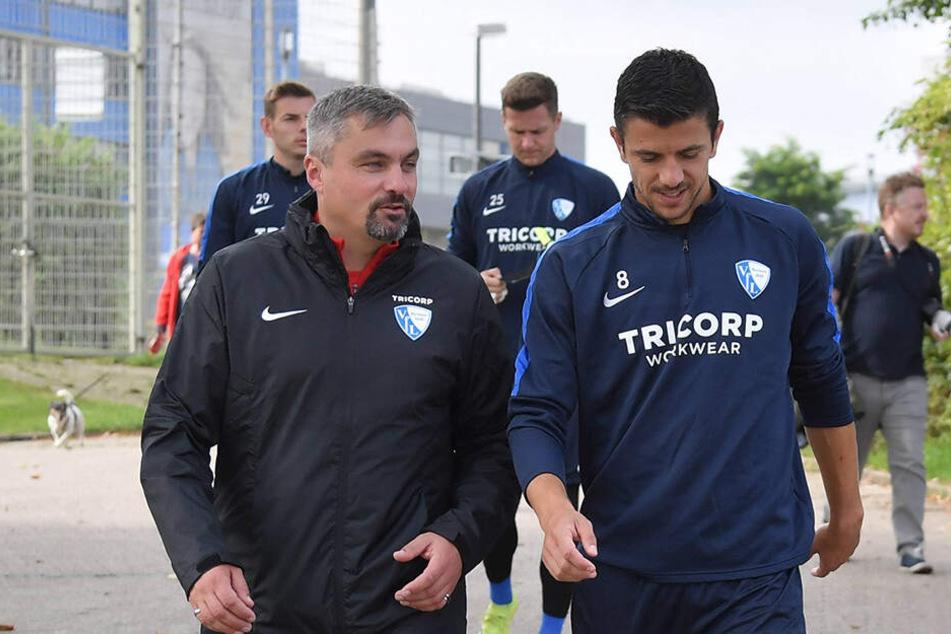Anthony Losilla (r.) am Montag beim ersten Training von Thomas Reis als Coach des VfL Bochum.