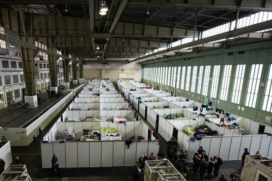 Im ehemaligen Flughafen Tempelhof wurden viele Flüchtlingsfamilien einquartiert.