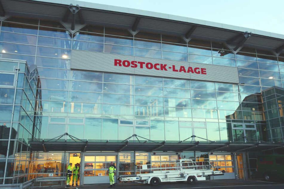 Der Flughafen Rostock-Laage verlor kürzlich durch zwei Airline-Pleiten zahlreiche Flüge.